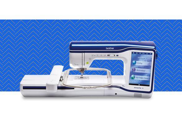 Швейно-вышивальная машина Innov-is-XV на синем фоне