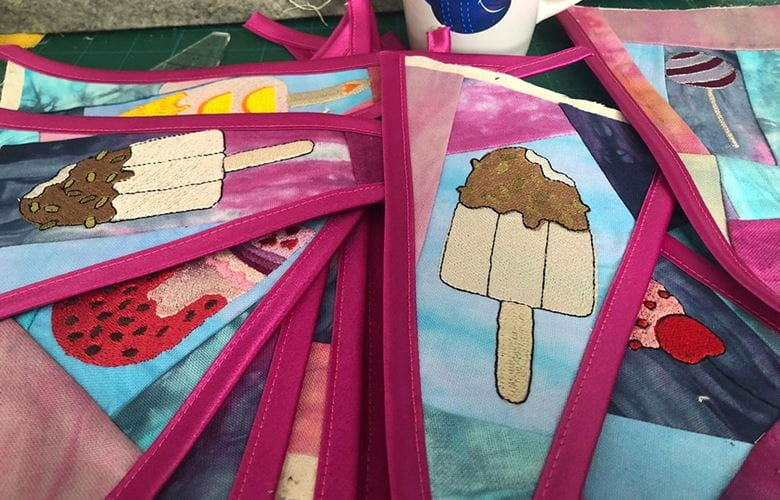 Geborduurde ijsjes - wimpel