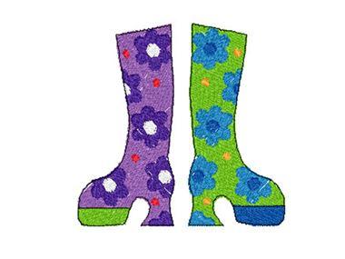 Motif de broderie de bottes funky à fleurs violettes et vertes