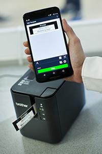 Brother PT-P950NW labelprinter mobiel afdrukken via app op smartphone