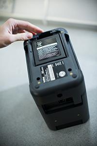 Dobíjecí akumulátor instalovaný do PT-P900W and PT-P950NW