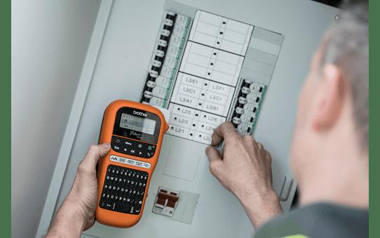 PT-E110VP étiqueteuse portable P-touch 12mm pour électriciens & datacom 6