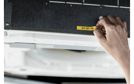 PT-E110VP P-touch tape labelprinter 12mm 9