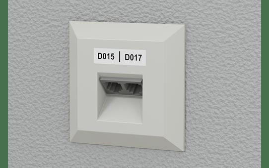 PT-E550WNIVP - set cu aparat de etichetare pentru rețele informatice 8