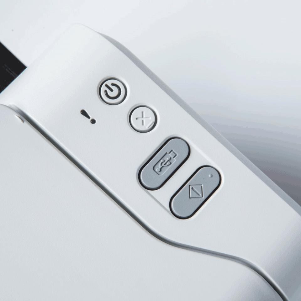 ADS-2200 desktop scanner 6