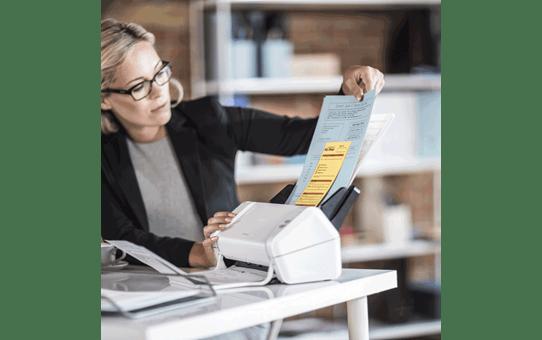 ADS-2200 skrivebordsscanner 8