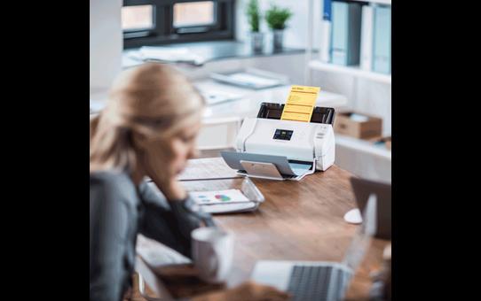 ADS-2700W Scanner documentale con rete cablata e wireless 9