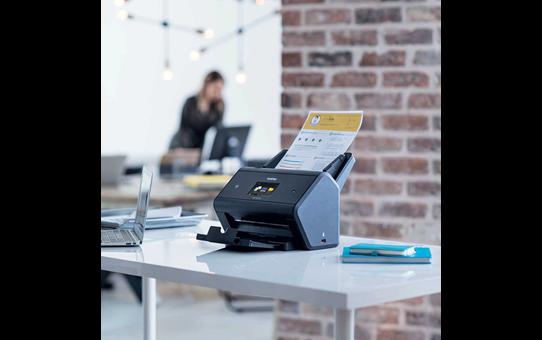 ADS-3600W desktop scanner 4