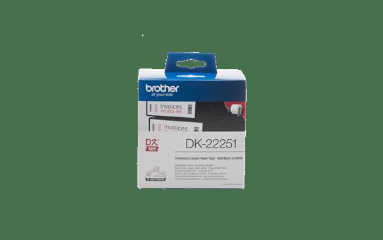 Originalus Brother DK-22251 nenutrūkstamo popieriaus etikečių ritinėlis – juodos ir raudonos raidės baltame fone, 62 mm pločio