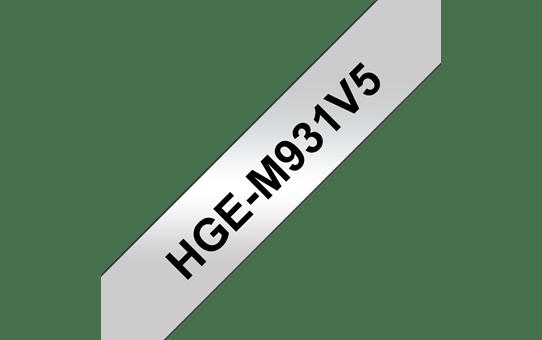 Brother HGeM931V5: высококачественная кассета с лентой для печати наклеек черным на серебристом фоне, ширина: 12 мм.
