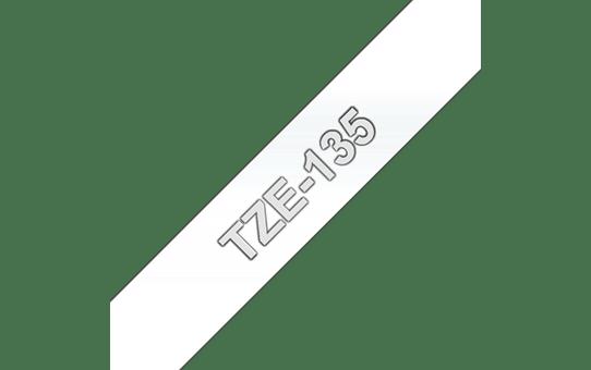 Original Brother TZe135 merketape – hvit på klar, 12 mm bred
