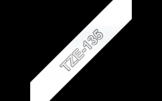 Alkuperäinen Brother TZe135 -tarranauha – valkoinen teksti kirkkaalla pohjalla, 12 mm