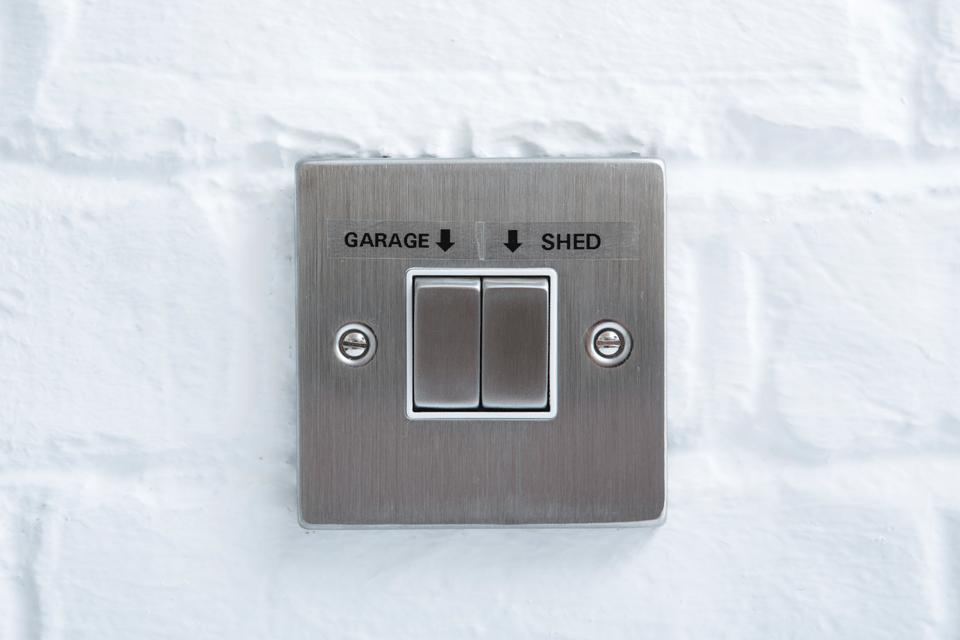 Cinta laminada TZe141 Brother para etiquetar interruptores