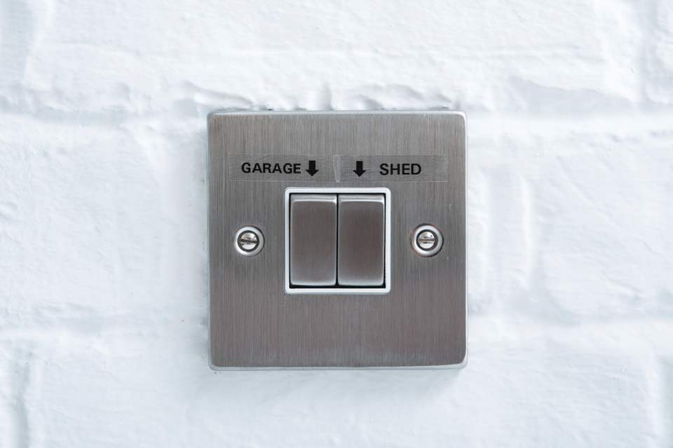 Fita laminada TZe141 Brother para rotular interruptores