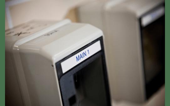 Originální kazeta s páskou Brother TZe-233 - modrý tisk na bílé, šířka 12 mm 4