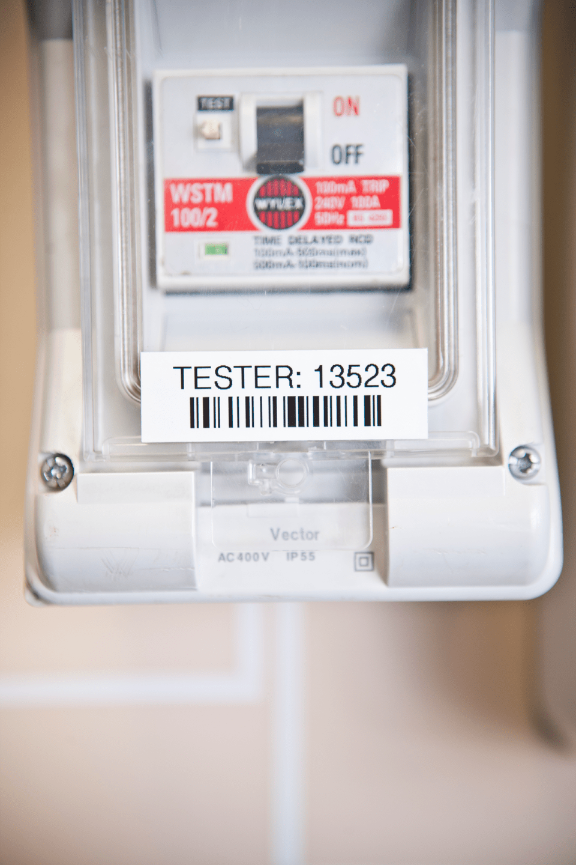 Fita laminada TZe741 Brother para panéis elétricos