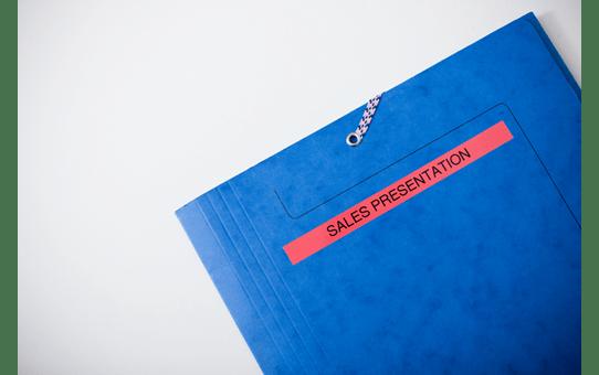 Original TZe-431S Schriftbandkassette von Brother – Schwarz auf Rot, 12mm breit 4