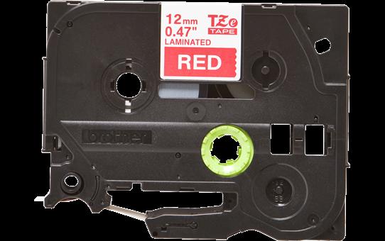 Casetă cu bandă de etichete originală Brother TZe-435 – alb pe roșu, lățime de 12mm 2