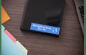 Cassette à ruban pour étiqueteuse TZe-555 Brother originale – Blanc sur bleu, 24mm de large 4