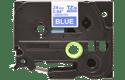 Original Brother TZe555 tape – hvid på blå, 24 mm bred 2
