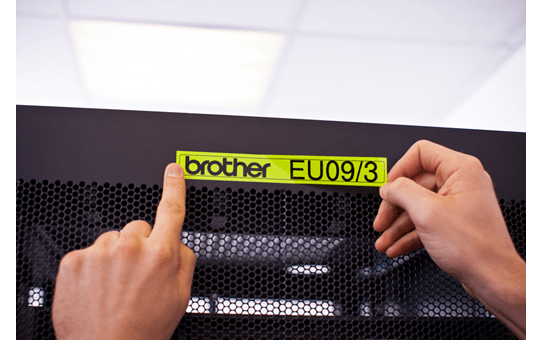 Brother TZe-C51 - черен текст на жълта флуоресцентна лента, ширина 24mm 4