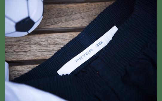 TZe-FA4 ruban d'étiquettes textile 18mm 4
