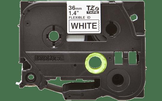 Original Brother TZeFX261 fleksibel ID merketape – sort på hvit, 36 mm bred 2