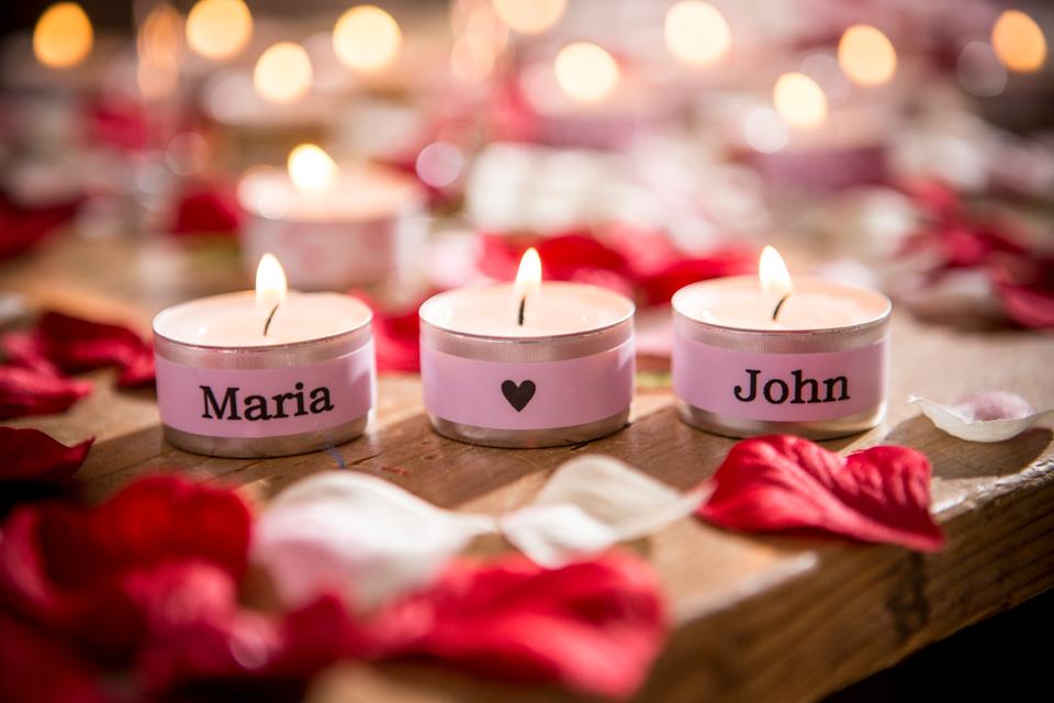 Cinta laminada mate TZeMQE31 Brother rosa pastel en velas