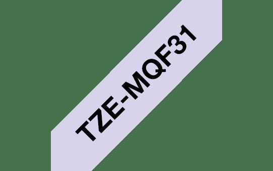 Brother TZe-MQF31 Schriftband – schwarz auf pastelllila 2