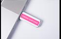 Brother TZe-MQP35 Schriftband – weiß auf pink (matt)