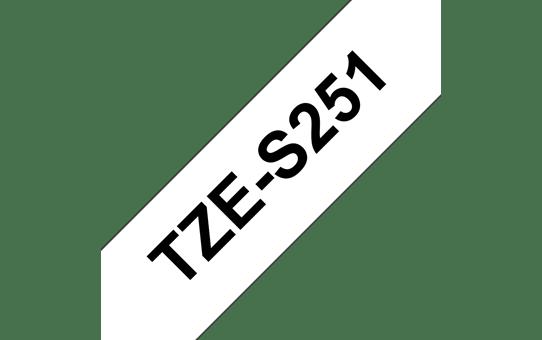 Original Brother TZeS251 merketape – sort på hvit med sterkt lim, 24 mm bred