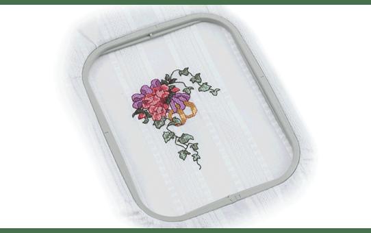 EF62 Embroidery frame 10 x 10cm 2