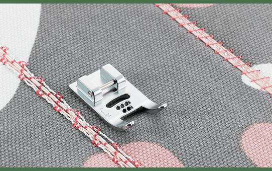 Лапка для настрачивания шнуров F019N