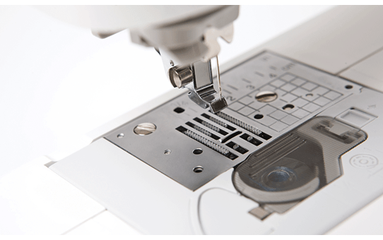 Innov-is 950 швейно-вышивальная машина  4