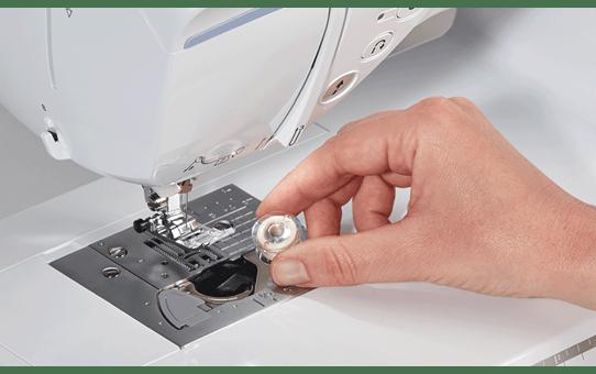 Innov-isNV2700 Machine à coudre, à quilter et à broder 6