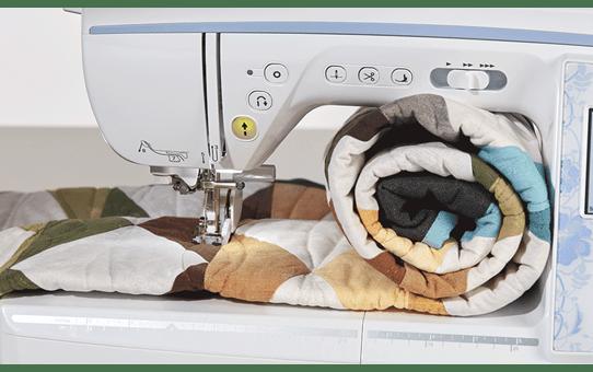 Innov-is NV2700 naai-, quilt- en borduurmachine voor thuis 11
