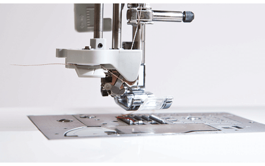 Innov-is NV2600 Machine à coudre et à broder 4