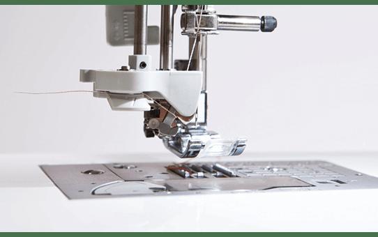 Innov-is NV2600 Macchina per cucire e ricamare 4