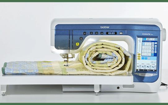Innov-is V5LE швейно-вышивальная машина  6