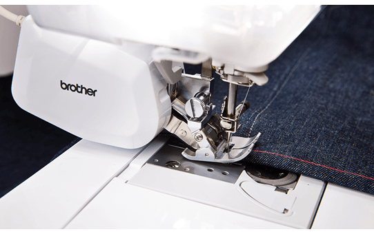 Innov-is V7 sewing, quilting and embroidery machine 3