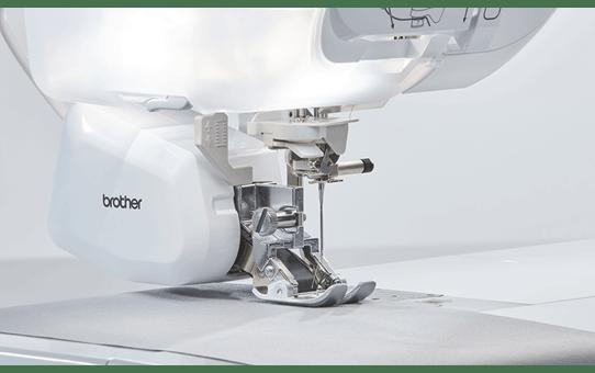 Stellaire Innov-is XJ1 naai-, quilt- en borduurmachine 6