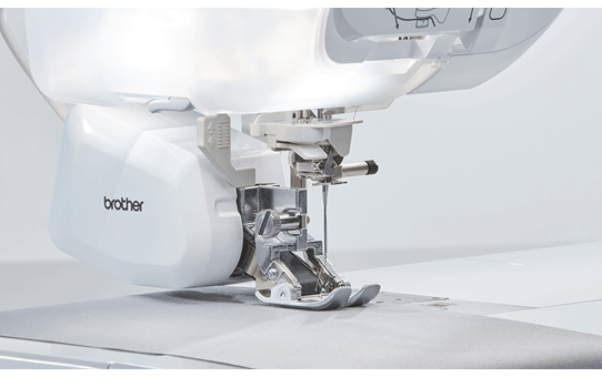 Innov-is Stellaire XJ1 sewing, quilting and embroidery machine 6