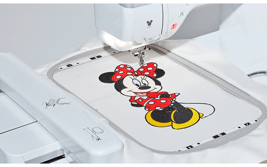 Innov-is Stellaire XJ1 sewing, quilting and embroidery machine 11