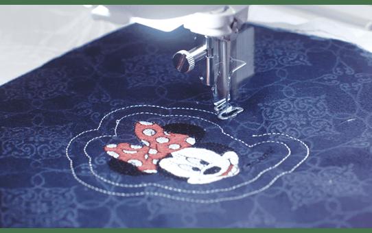 Innov-is-Luminaire-XP1 Potente macchina per cucire, trapuntare e ricamare 4