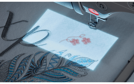 Innov-is-Luminaire-XP1 naai-, quilt- en borduurmachine 6