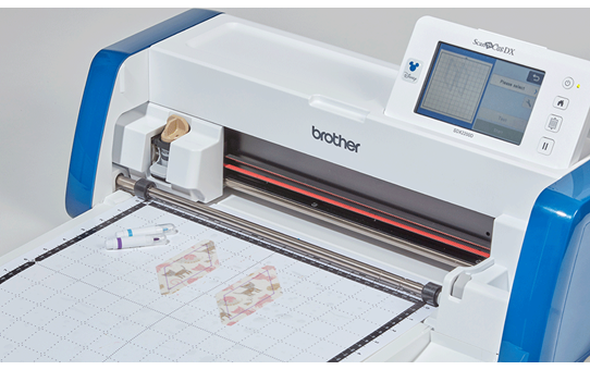 ScanNCut SDX2200D Disney Home and hobby cutting machine 8