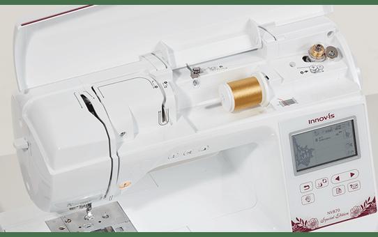Innov-is NV870 Special Edition borduurmachine 6
