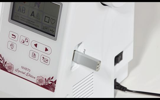 Innov-is NV870 Special Edition borduurmachine 10