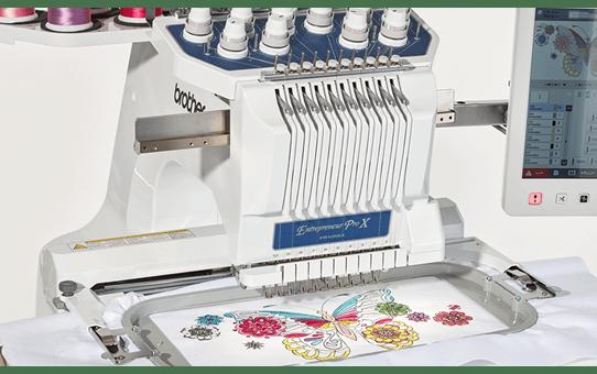 PR1055X Machine à broder 7
