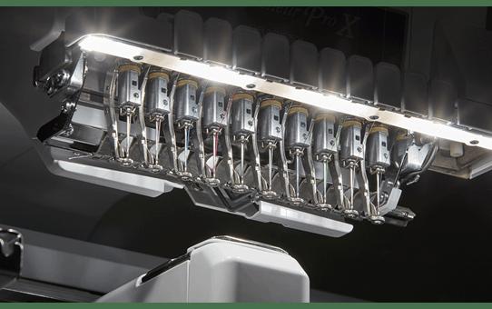 PR1055X Machine à broder 8